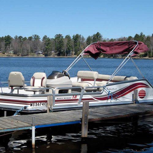 Pontoon boat motor fishing boat rentals northern for Fishing cabin rentals wisconsin
